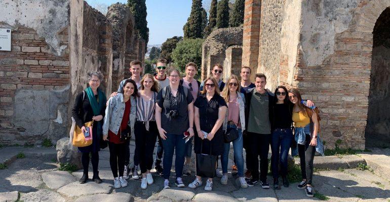 OU Students at Pompeii
